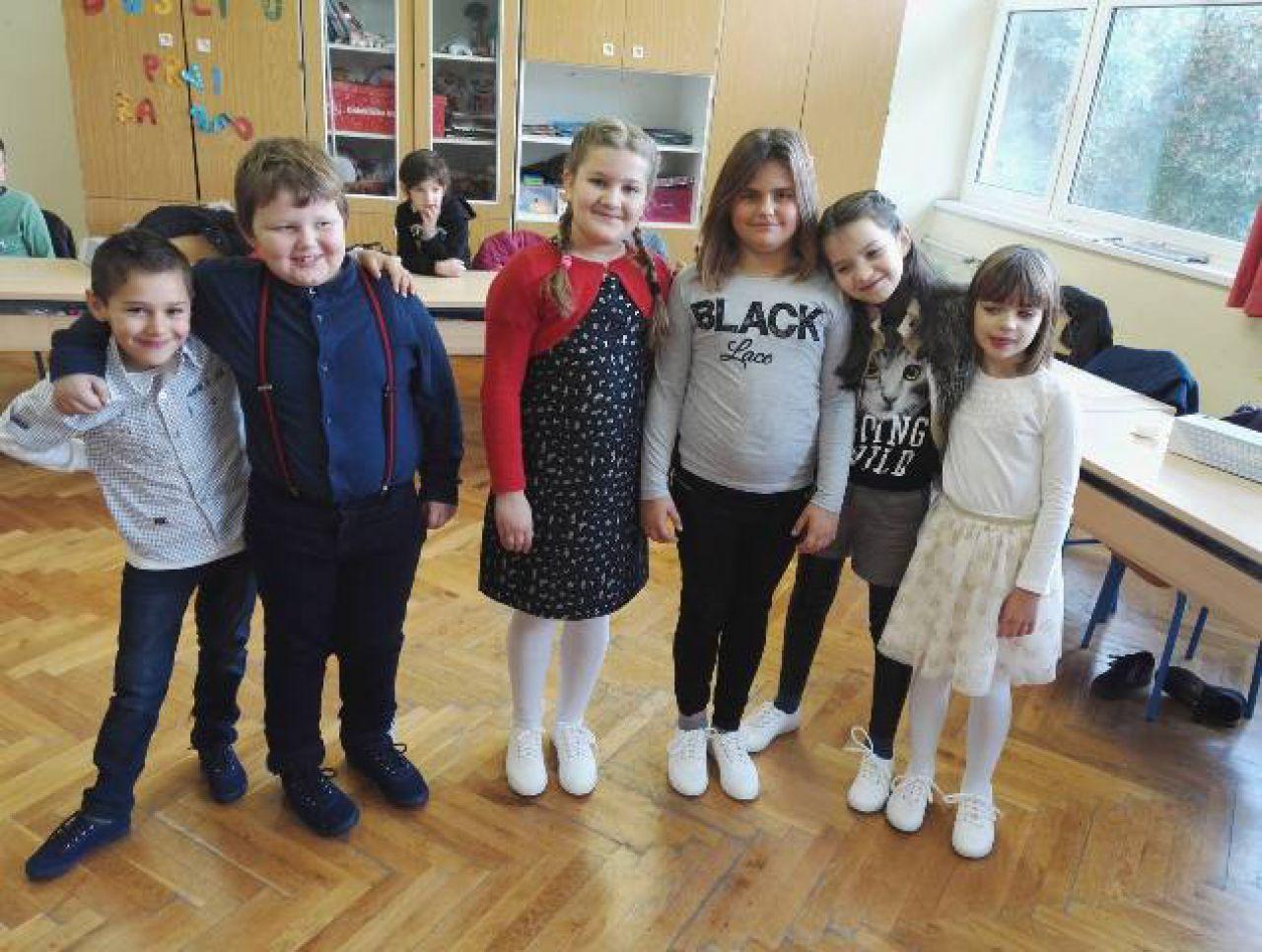 Skradinskim učenicima na poklon startasice iz vukovarskog Borova