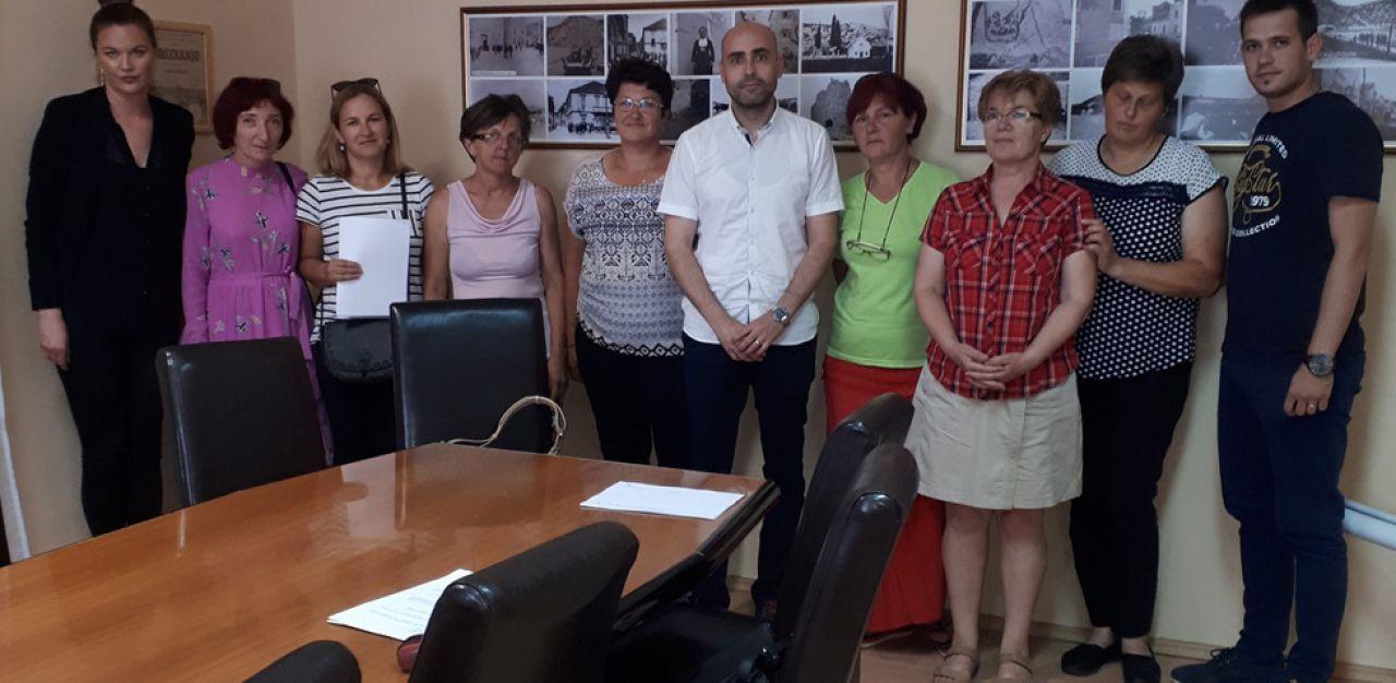 """Održano potpisivanje Ugovora o radu   u sklopu projekta """"Budimo im podrška"""""""